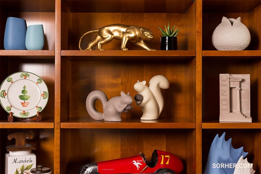 書櫃佈置 擺飾品 裝飾品 杯盤組
